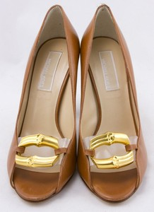MICHAEL-KORS-Tan-leather-gold-chain-toe-accent-open-toe-pumps-size-6.5_250108B.jpg