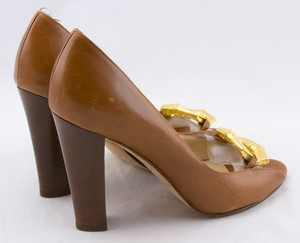 MICHAEL-KORS-Tan-leather-gold-chain-toe-accent-open-toe-pumps-size-6.5_250108D.jpg
