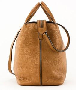 REED-KRAKOFF-Tan-and-black-leather-double-handle-shoulder-bag-pewter-hardware_257390D.jpg