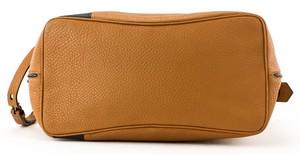 REED-KRAKOFF-Tan-and-black-leather-double-handle-shoulder-bag-pewter-hardware_257390E.jpg