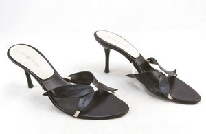 SERGIO ROSSI Black leather open toe kitten heel slides size 9.5