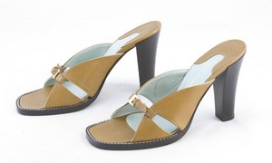 SIGERSON MORRISON Brown buckle front sandal block heels size 6