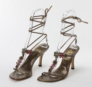 STUART WEITZMAN Bronze Lace Up Kitten Heels w Pink & Orange Floral Jewels Size 8