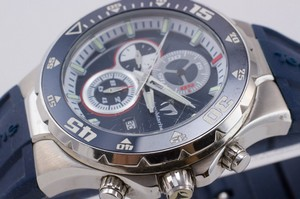 TECHNOMARINE-Navy-face-stainless-steel-rubber-strap-water-resistant-watch_240365F.jpg