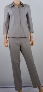WORTH Light taupe wool silk blend pant suit size 8