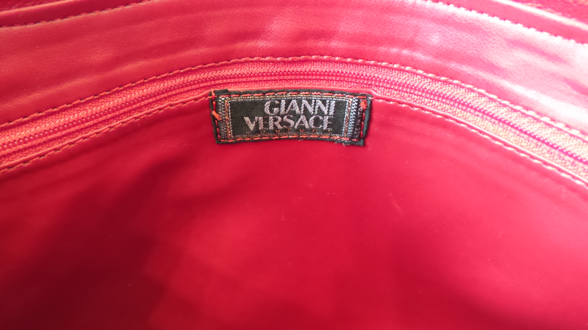 Gianni-Versace--Purse_6499D.jpg