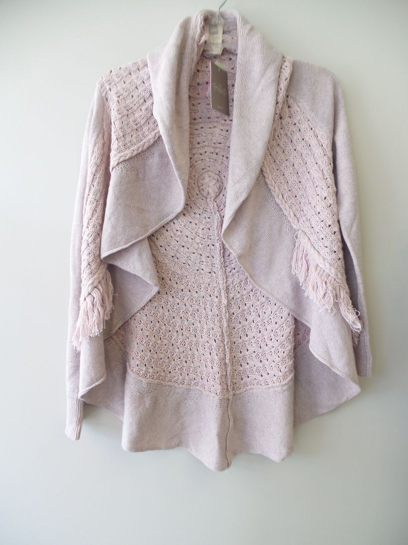 Size-S-Knitted-and-Knotted-Sweater_11353A.jpg