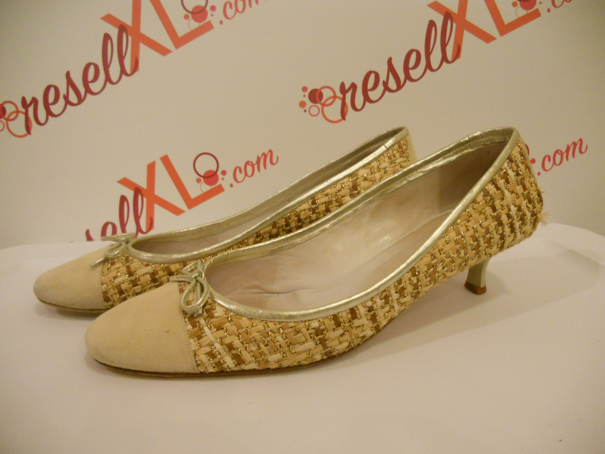 Delman-Size-11-Cream-colred-pumps-with-basket-weave-detail_3053A.jpg
