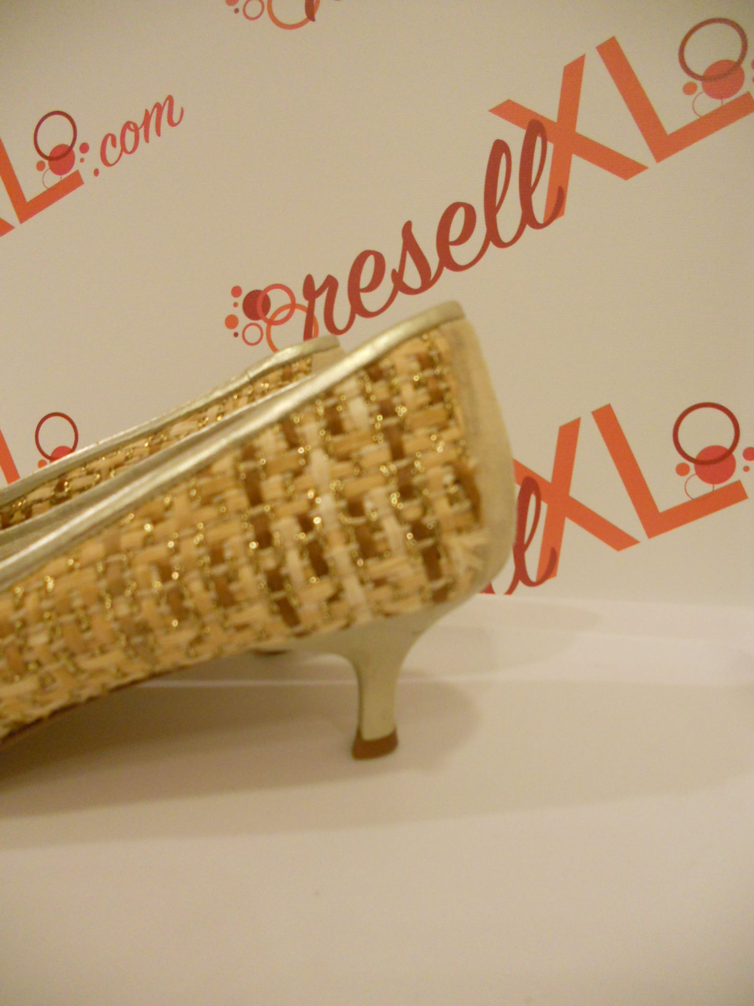 Delman-Size-11-Cream-colred-pumps-with-basket-weave-detail_3053D.jpg