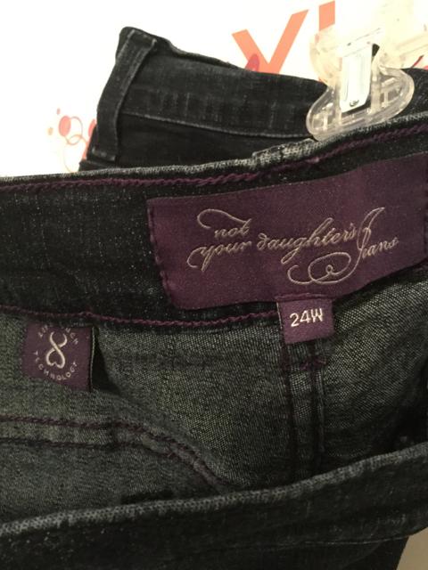 NYD-Jeans-Size-24W-Dark-Blue-Denim-Capris_2843E.jpg