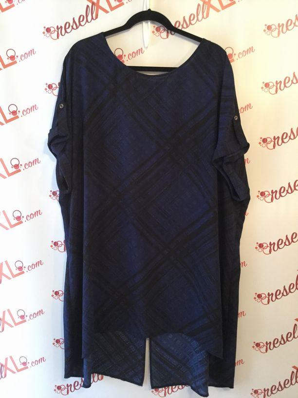 Sejour-Size-24W-Blue--Black-Striped-Dolman-Sleeve-Tunic_2863A.jpg