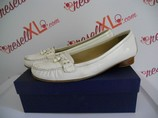 Stuart-Weitzman-Size-11-White-Patent-Loafer_2978A.jpg