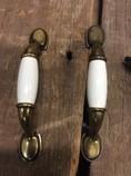 Brass-and-ceramic-cabinet-handles_1310B.jpg