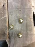 Round-brass-knobs_1296B.jpg