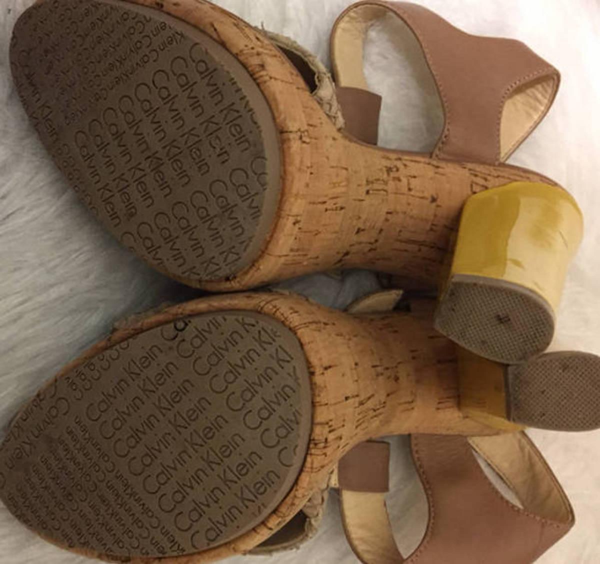 Calvin-Klein--Sz-7-T-Strap-Sandal-Yellow-Heel-Shoe-Cork-Platform-Snake-Embossed_6607F.jpg