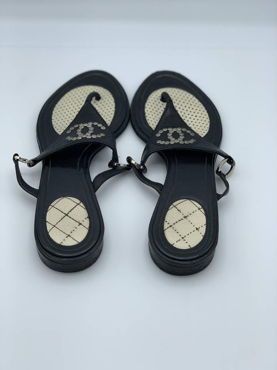 Chanel-Black-Leather-Sz-38.5-Thong-Sandal-Flip-Flop-Shoe-CC-Stud-Logo-Designer_12737C.jpg