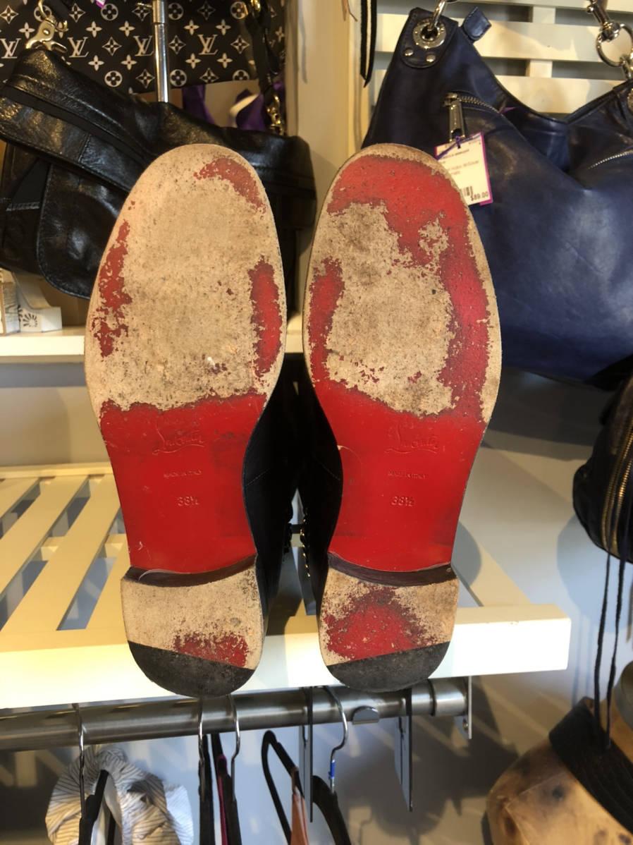 Christian-Louboutin-Cate-Leather-Knee-Boot-Chain-Detail-Sz-38.5-Shoe-Moto_16197F.jpg