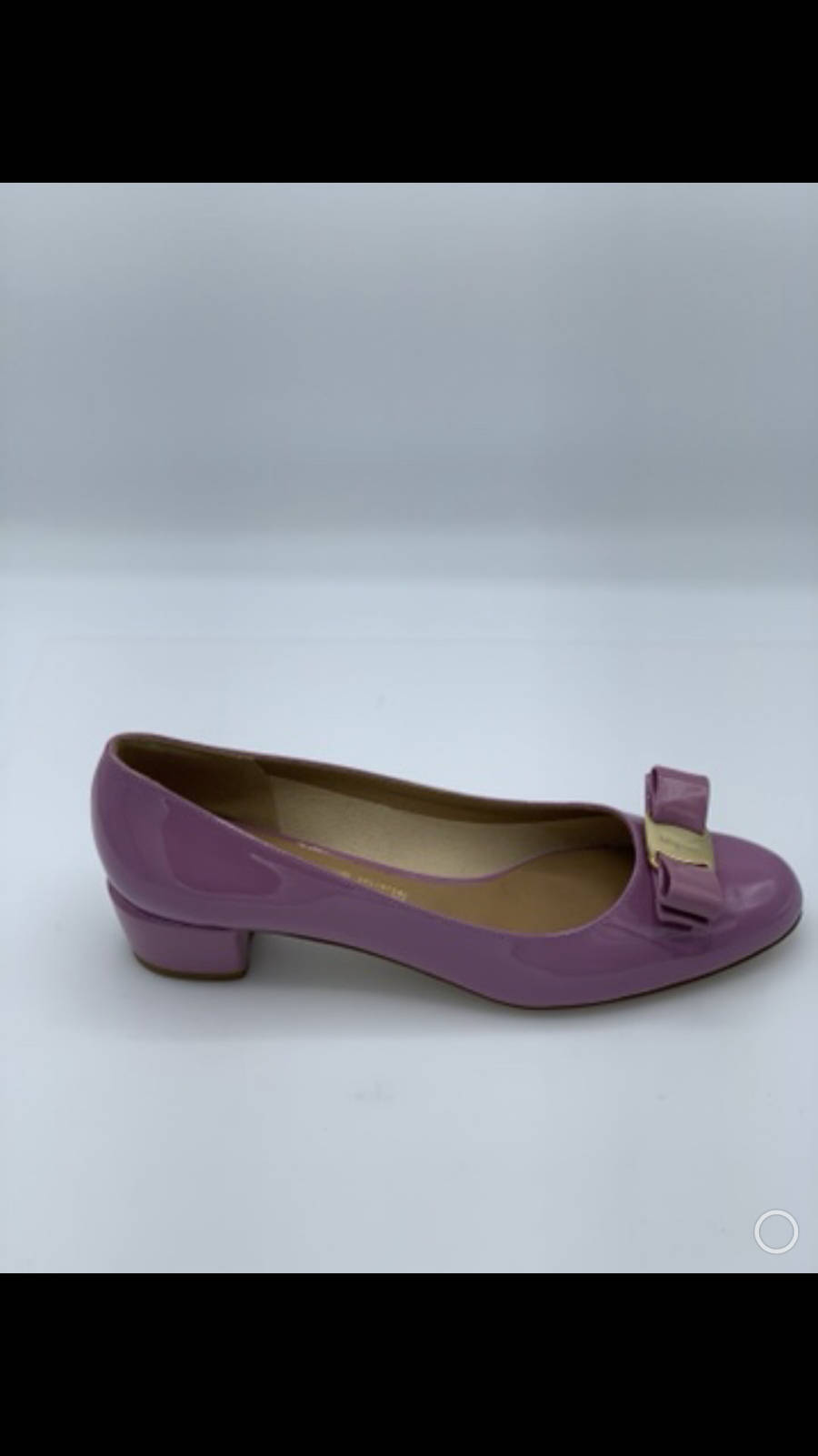 Salvatore-Ferragamo-Shoe-10-Pump-Patent-Leather-Bow-Lavender-New-Gold-Hardware_12611B.jpg