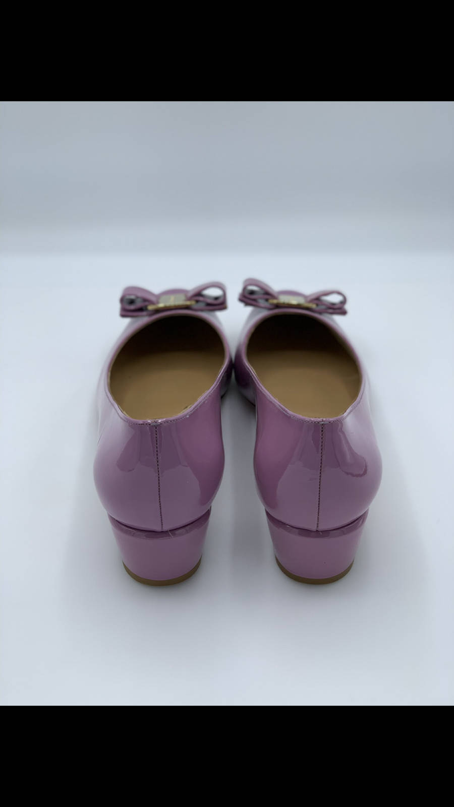 Salvatore-Ferragamo-Shoe-10-Pump-Patent-Leather-Bow-Lavender-New-Gold-Hardware_12611C.jpg