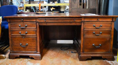 Havertys-Desk_283915A.jpg