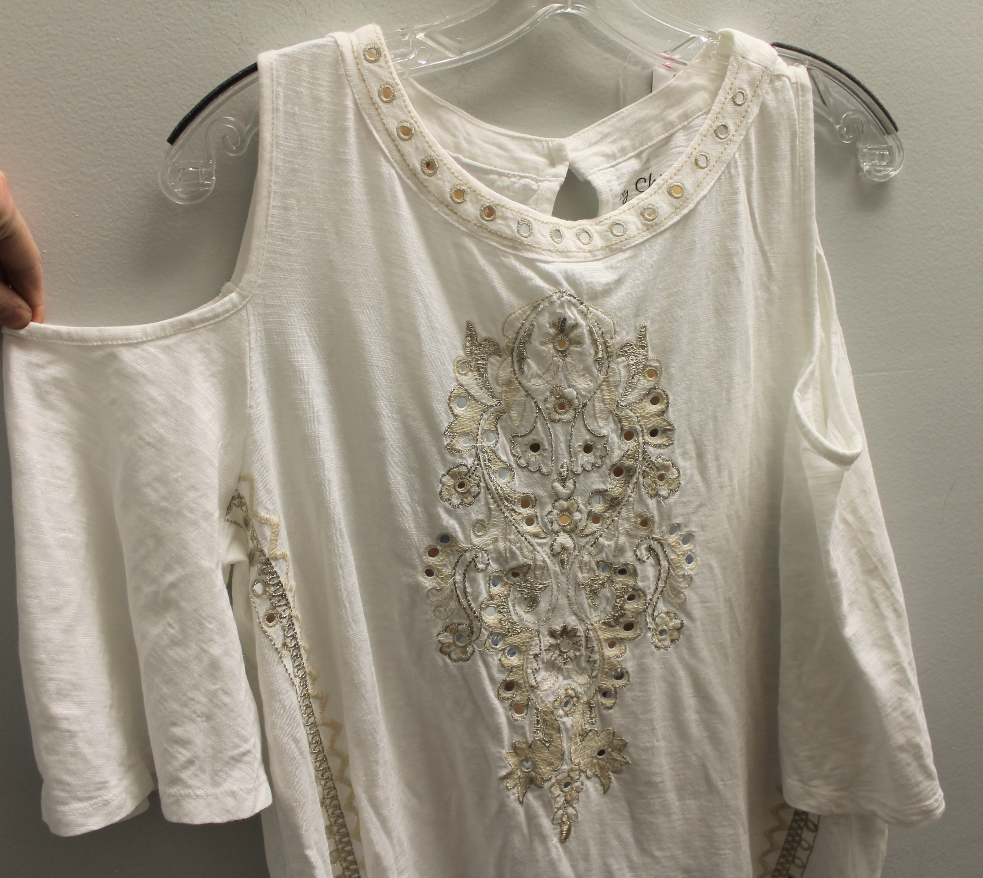 CHICOS-Size-M-white-and-gold-Cotton-Blend-Embroidered-Short-Sleeve-Top_89490B.jpg