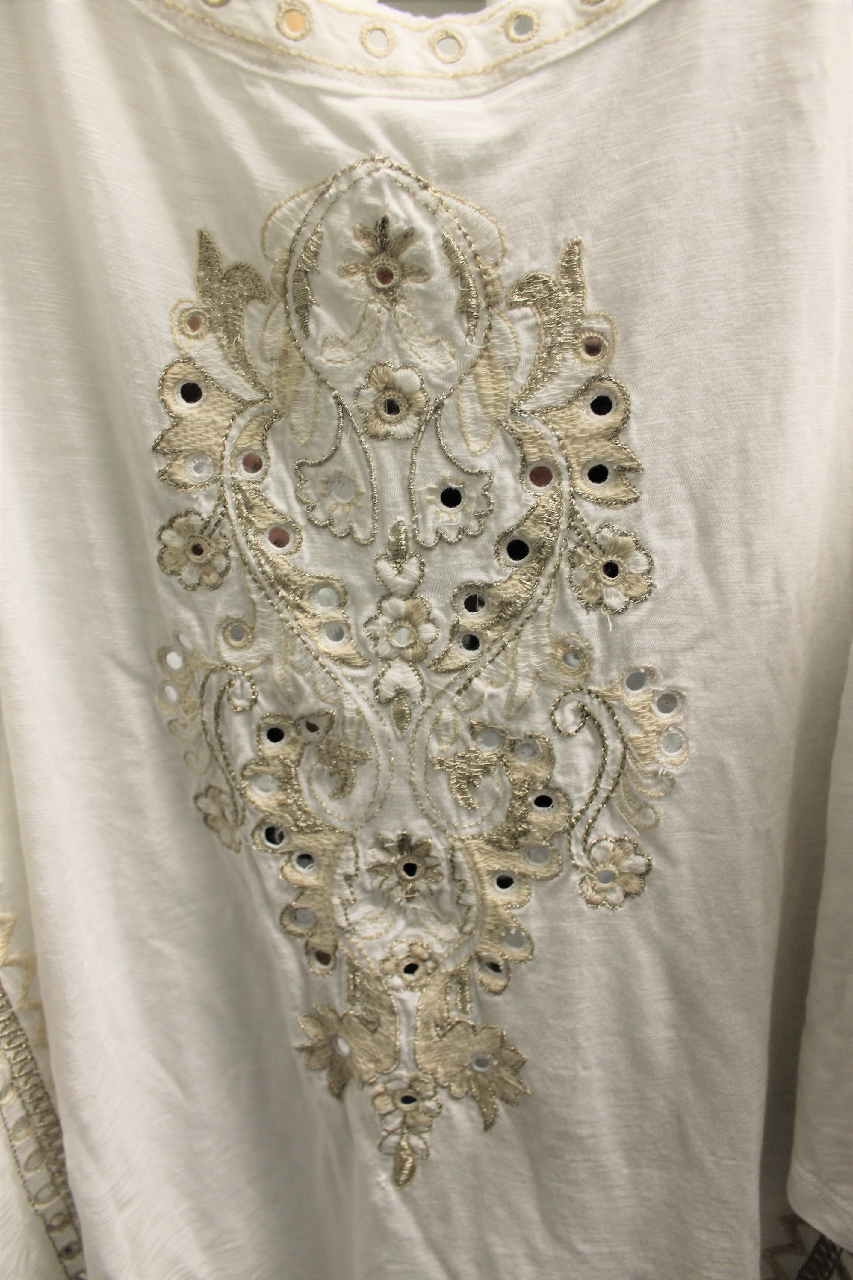 CHICOS-Size-M-white-and-gold-Cotton-Blend-Embroidered-Short-Sleeve-Top_89490C.jpg