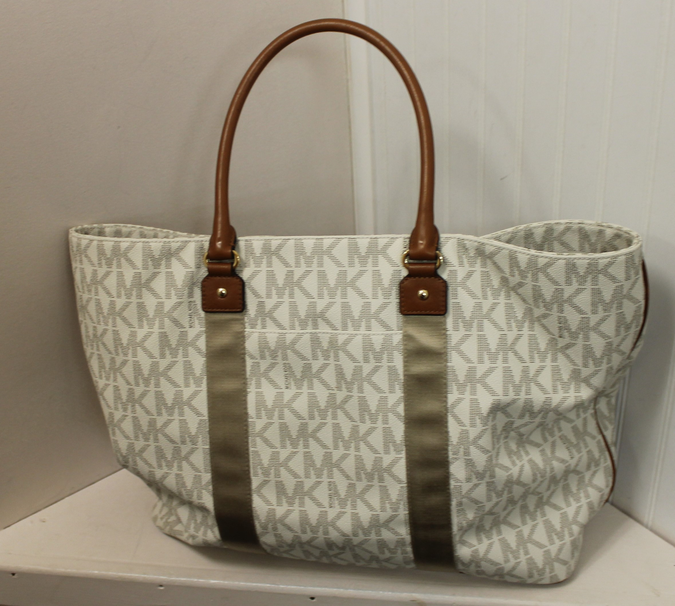 MICHAEL-KORS-WHITE-BROWN-GRAY-LEATHER-AND-CANVAS-LOGO-TOTE_69120E.jpg