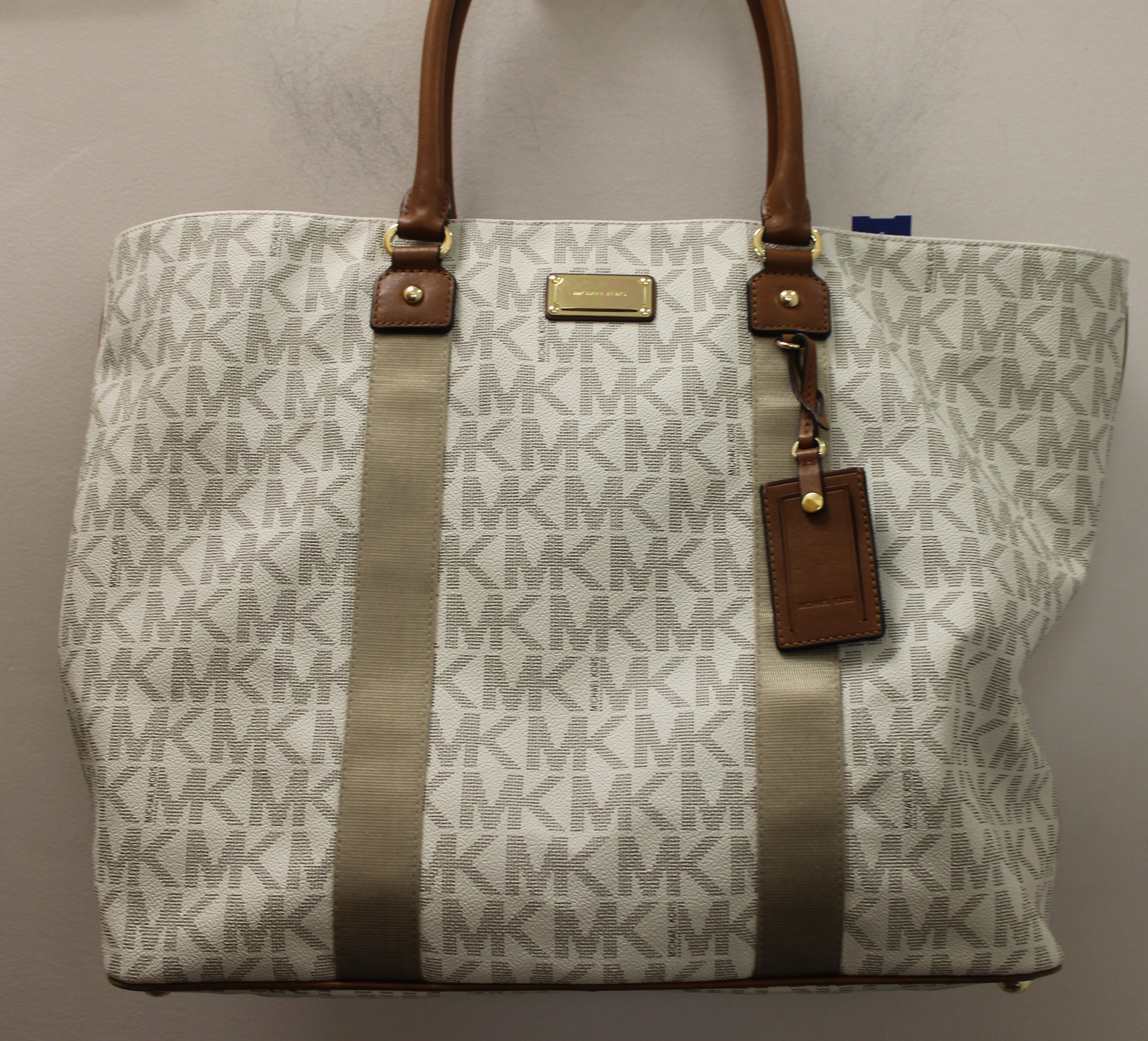 MICHAEL-KORS-WHITE-BROWN-GRAY-LEATHER-AND-CANVAS-LOGO-TOTE_69120J.jpg