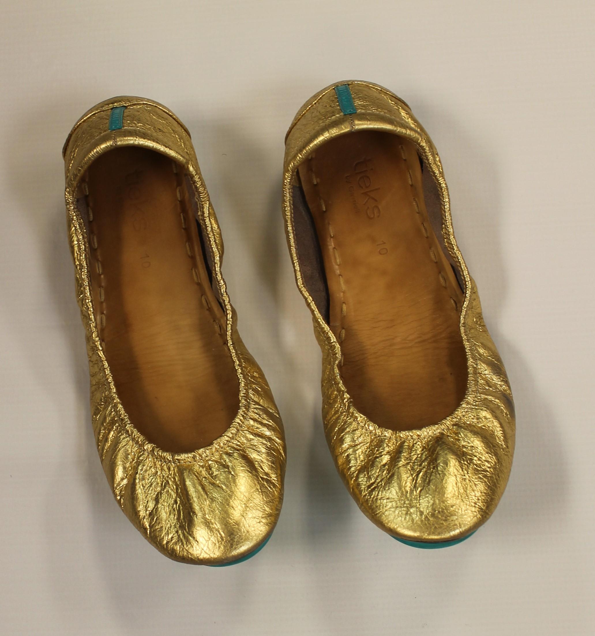 TIEKS-10-Gold-Leather-Solid-Flats_63886A.jpg