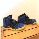 ADIDAS-8-Sneakers_208410B.jpg