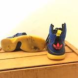 ADIDAS-8-Sneakers_208410C.jpg