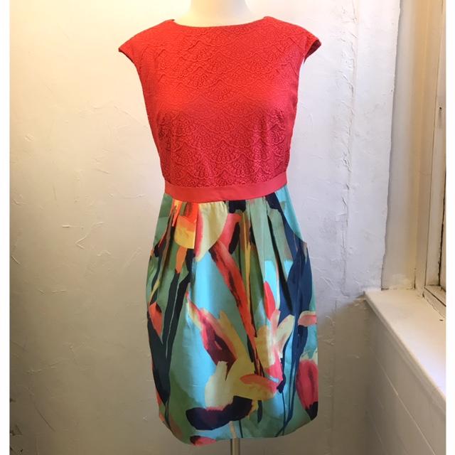 ADRIANNA-PAPELL-Size-4-Dress_208408A.jpg