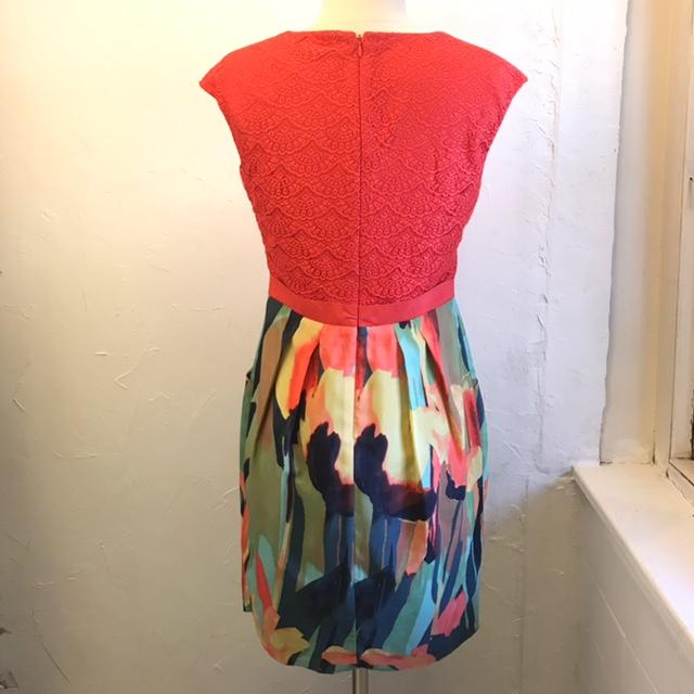 ADRIANNA-PAPELL-Size-4-Dress_208408B.jpg