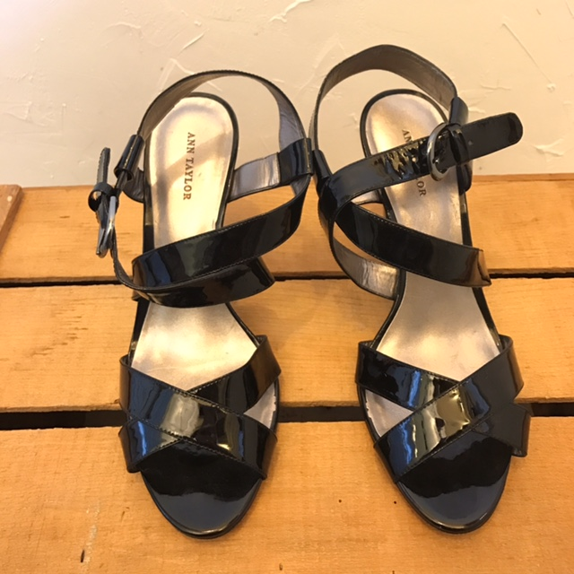 ANN-TAYLOR-9-Heels--Wedges_214139A.jpg