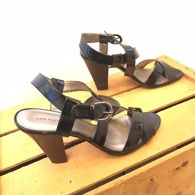 ANN-TAYLOR-9-Heels--Wedges_214139C.jpg