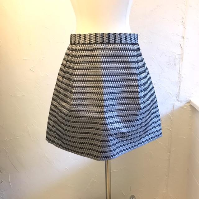 BCBG-Size-4-Skirt_220719A.jpg