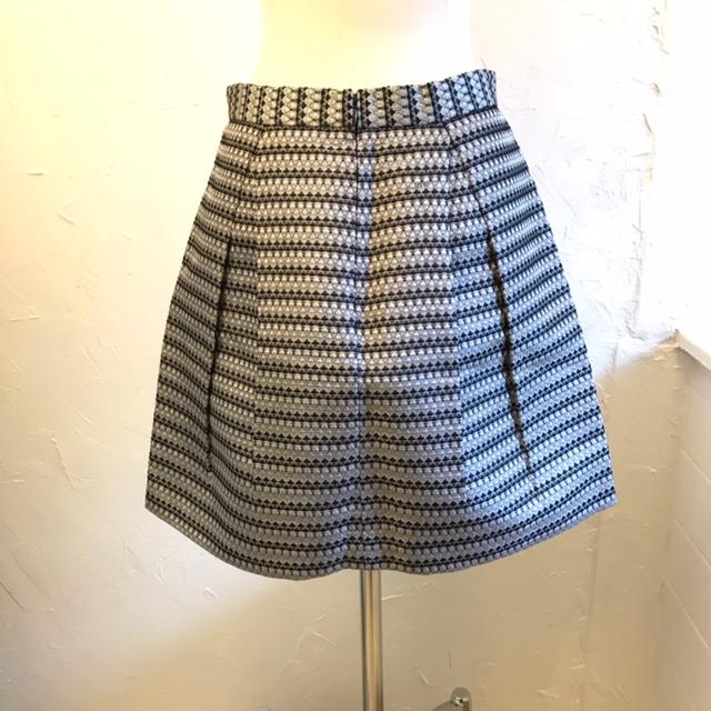 BCBG-Size-4-Skirt_220719B.jpg