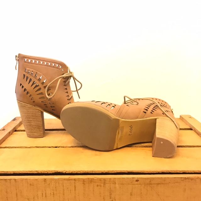 CATHERINE-MALANDRINO-7.5-Heels--Wedges_206256C.jpg