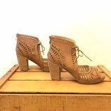 CATHERINE-MALANDRINO-7.5-Heels--Wedges_206256D.jpg