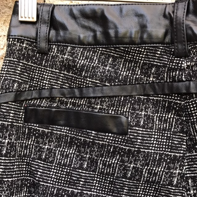 DESIGN-Size-28-Pants_194260D.jpg