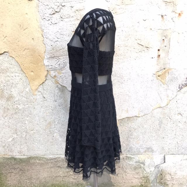 ELIZABETH-AND-JAMES-Size-6-Dress_195895C.jpg