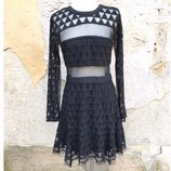 ELIZABETH-AND-JAMES-Size-6-Dress_195895A.jpg