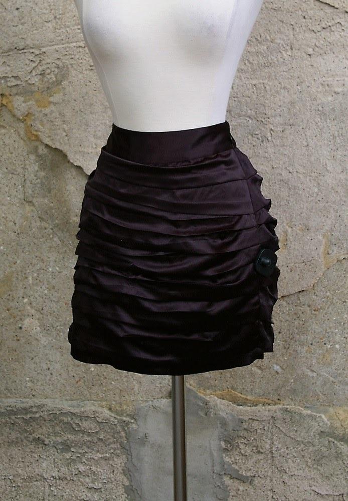 EXPRESS-Size-8-Skirt_182429A.jpg