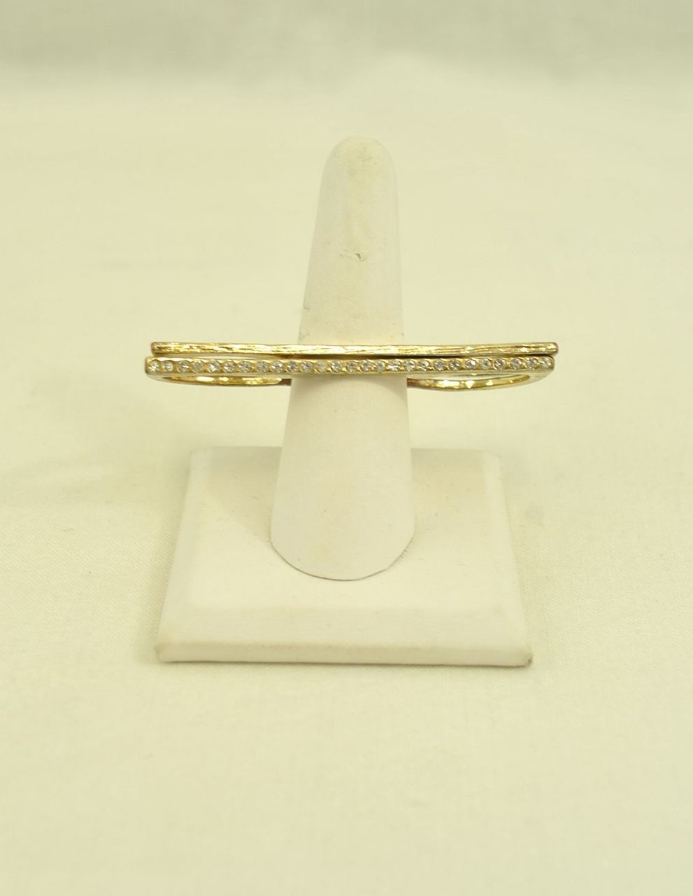 Gold-Ring_188590A.jpg