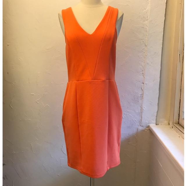 KARDASHIAN-KOLLECTION-Size-L-Dress_222577A.jpg