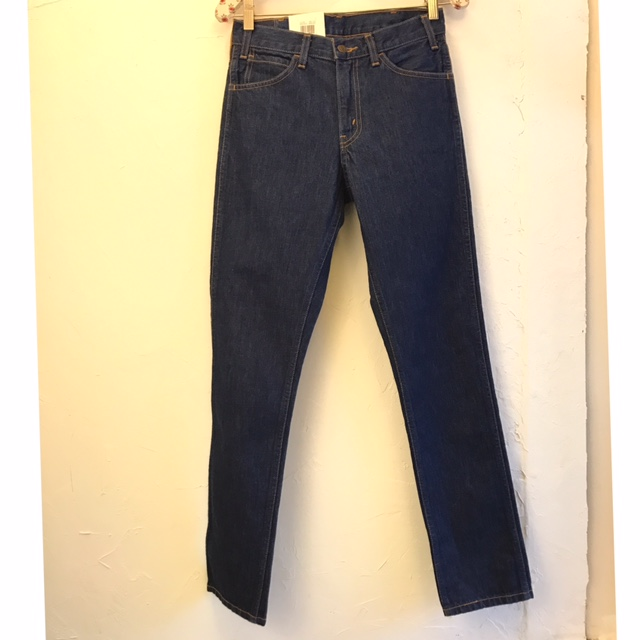 LEVIS-Size-27-Jeans_202194A.jpg