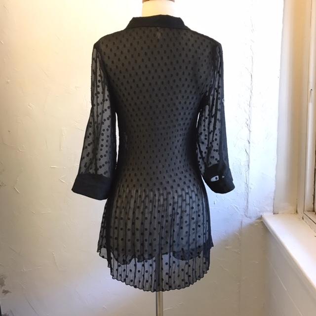 LINDI-Size-M-Long-Sleeve-Shirt_211471B.jpg