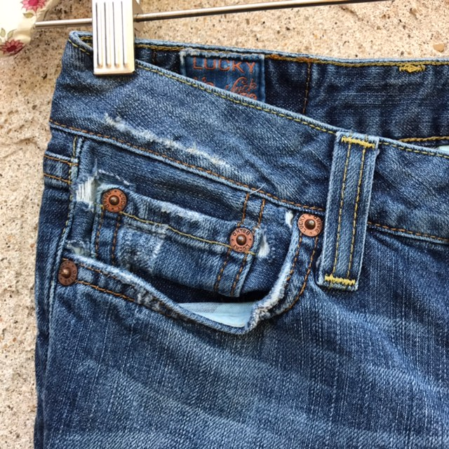 LUCKY-BRAND-Size-0-Jeans_194079C.jpg