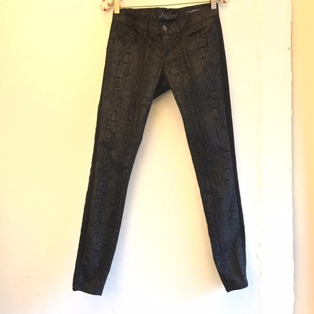 LUCKY-BRAND-Size-25-Pants_226348A.jpg