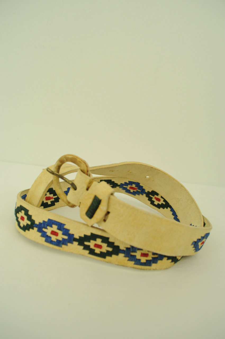 VINTAGE-Embroidered-Leather-Belt_181963A.jpg